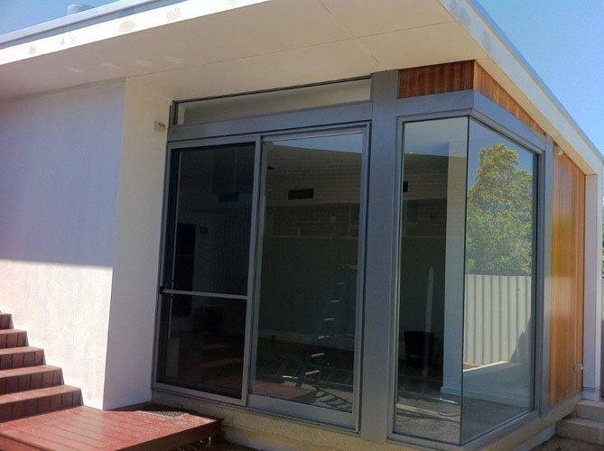 SLIDEMASTER-Commercial-Sliding-Door